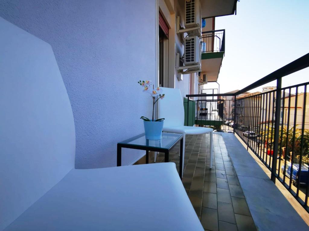 balcone camera 2b